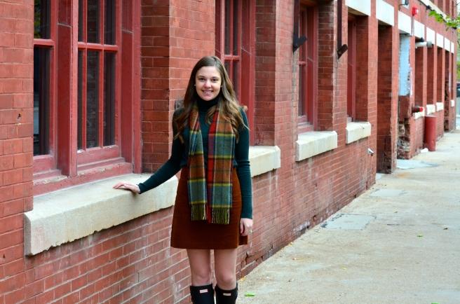 Green Turtleneck, Corduroy Skirt, Hunter Boots_1500