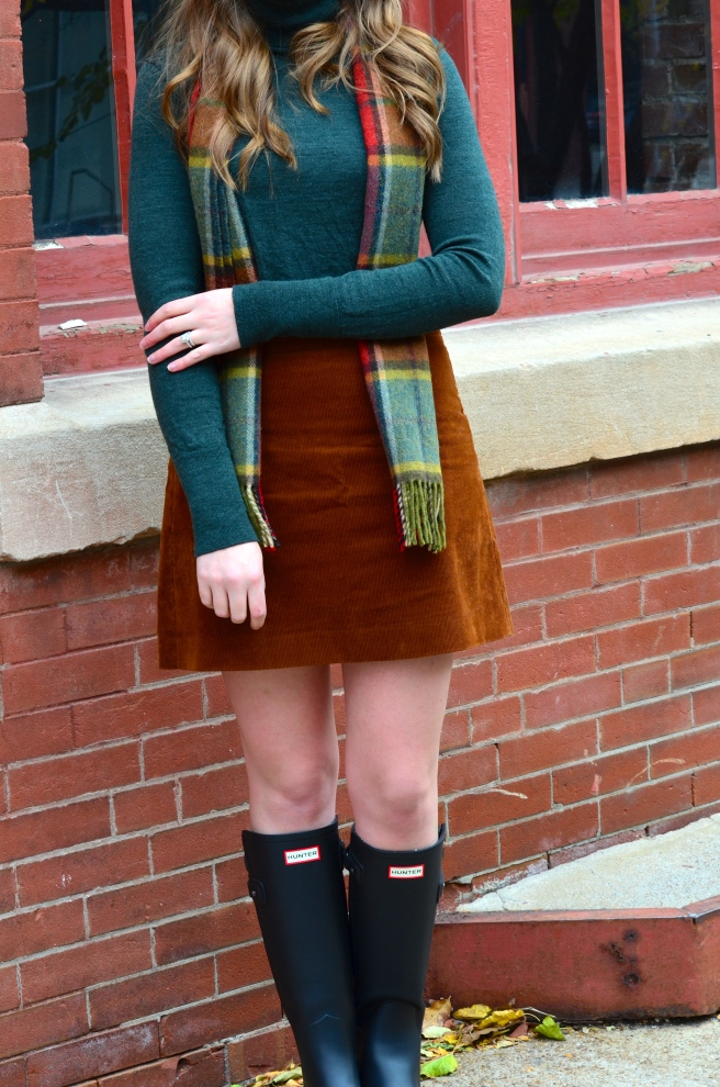 Green Turtleneck, Corduroy Skirt, Hunter Boots_1502